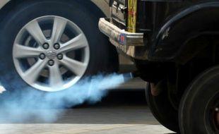 Des gaz d'échappement (illustration).
