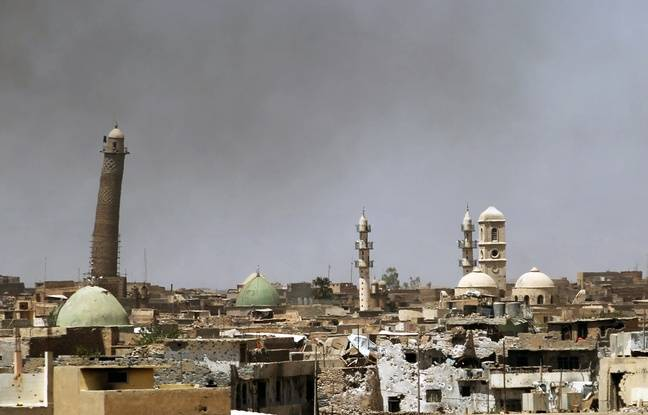 Al-Hadba, le minaret penché adjacent à la mosquée al-Nouri à Mossoul, le 24 mai 2017.