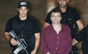 Cesare Battisti, l'ex-militant italien d'extrême gauche, qui a obtenu le statut de réfugié politique au Brésil, a réaffirmé son innocence dans une lettre à la Cour suprême afin d'éviter son extradition vers l'Italie qui l'accuse de quatre meurtres commis il y a trente ans.