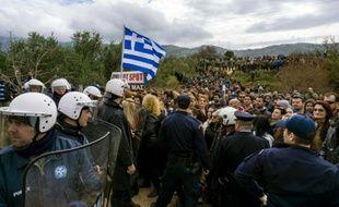 Manifestation contre la construction d'un centre d'enregistrement de migrants, le 14 février 2016 sur l'île grecque de Kos