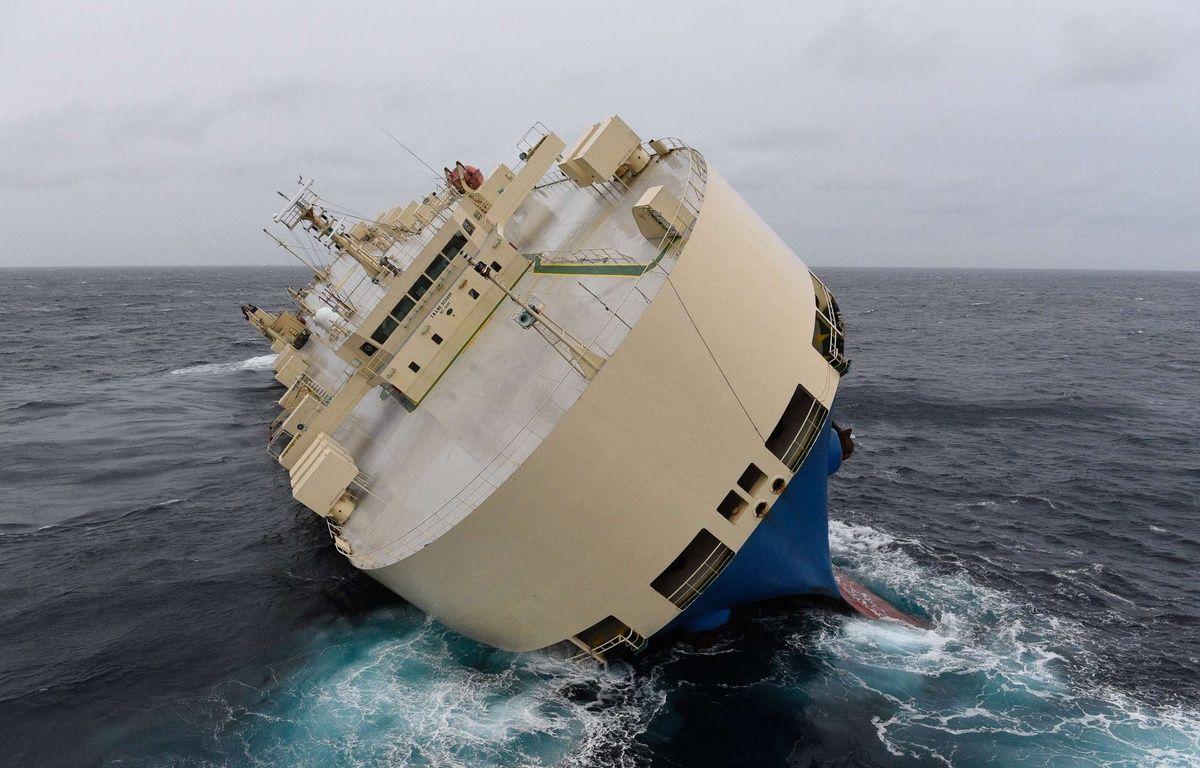 Le cargo «Modern Express» dérive dans le Golfe de Gascogne, le 28 janvier 2016. –  Loic Bernardin/AP/SIPA