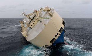 Le cargo «Modern Express» dérive dans le Golfe de Gascogne, le 28 janvier 2016.