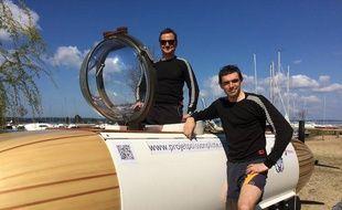 Michael de Lagarde et Antoine Delafargue vont traverser la Manche en sous-marin à pédales.