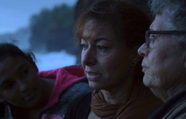 Le documentaire de Jarmila Buzkova, «Les 30 courageuses de La Réunion : une affaire oubliée», revient sur l'histoire méconnue des femmes stérilisées et avortées de force à La Réunion dans les 1960-1970. Ici, la fille et la soeur d'une victime, l'une des rares familles à avoir accepté de témoigner.
