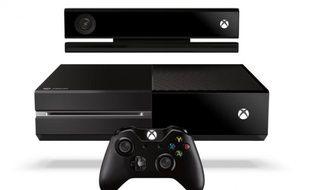 La Xbox One de Microsoft, avec sa manette et le capteur Kinect.