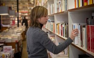 La littérature feel-good, issue de l'autoédition, est devenue la tendance du moment dans les librairies.