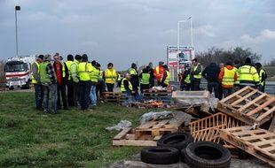 Le lieu de rassemblement emblématique des « gilets jaunes » à Porte-lès-Valence (Drôme), ici le 19 novembre.