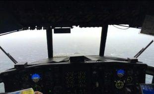 Un avion de recherche tente de retrouver le cargo perdu en mer au large des Bahamas le 3 octobre 2015