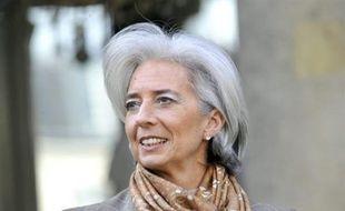 """""""La Commission européenne prévoyait pour la France une baisse de 1,8% (du PIB), le FMI une baisse de 1,9% (...) Un recul de 1,5% c'est beaucoup mieux"""", a toutefois estimé lundi la ministre de l'Economie, Christine Lagarde."""
