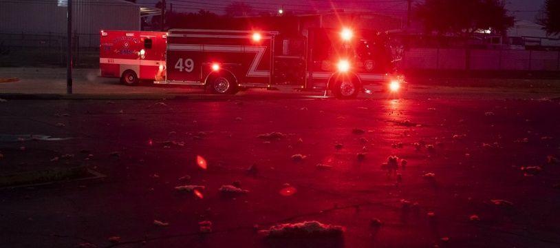 Les services de secours sur les lieux de l'explosion à Houston, le 24 janvier 2020.