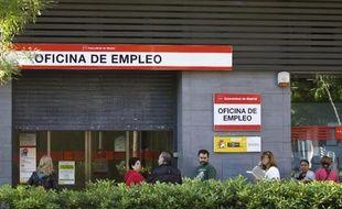 L'entrée d'une agence pour l'emploi à Madrid, le 4 juin 2013