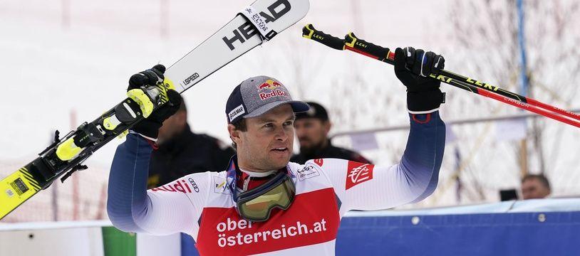 Alexis Pinturault a profité d'un week-end parfait dans la station autrichienne d'Hinterstoder pour prendre la tête du classement général de la Coupe du monde de ski alpin, le 2 mars 2020.