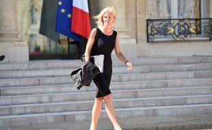 Paris, le 19 août 2015. Ségolène Neuville, secrétaire d'Etat chargée des Personnes handicapées, sort de l'Elysée.
