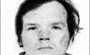 Un médecin exerçant à la prison de Caen, où était détenu jusqu'au 2 juillet le pédophile récidiviste Francis Evrard, écroué vendredi pour les rapt et viol d'Enis, 5 ans, à Roubaix (Nord), a reconnu lui avoir prescrit du Viagra, a-t-on appris lundi auprès du parquet de Lille.