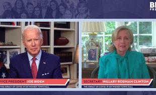 Hillary Clinton a apporté son soutien à Joe Biden pour la présidentielle du 3 novembre le 28 avril 2020.