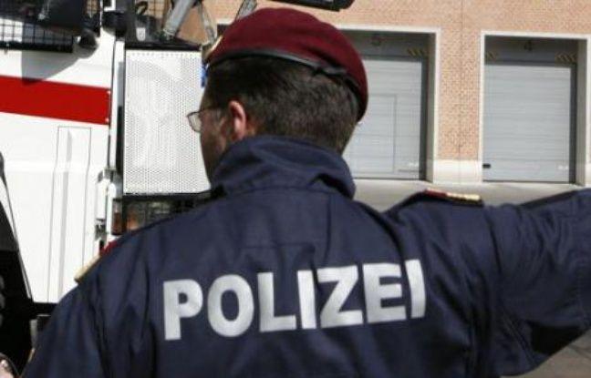 Autriche: Un bébé meurt d'un coup de chaud, enfermé dans une voiture au soleil par sa jeune mère de 17 ans