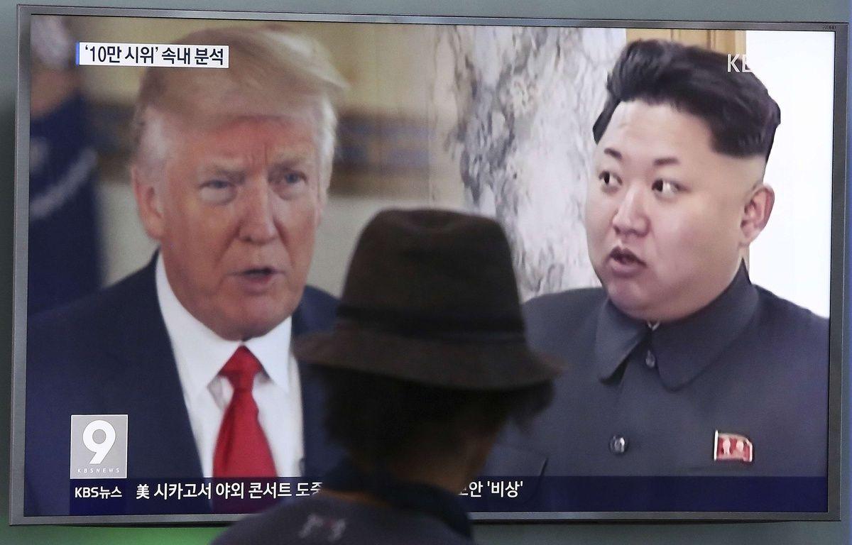 «Les solutions militaires sont maintenant complètement en place, et prêtes à l'emploi, si la Corée du Nord se comporte imprudemment», a déclaré le président américain. – AHN YOUNG-JOON/AP/SIPA