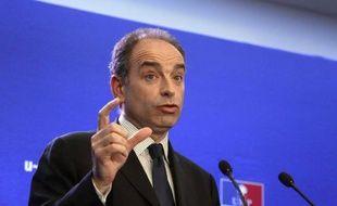 """Jean-François Copé prévient que tout accord local entre un candidat UMP aux législatives et le Front national serait """"contraire à la ligne de l'UMP"""" et qu'il en tirerait """"toutes les conséquences au niveau national"""""""