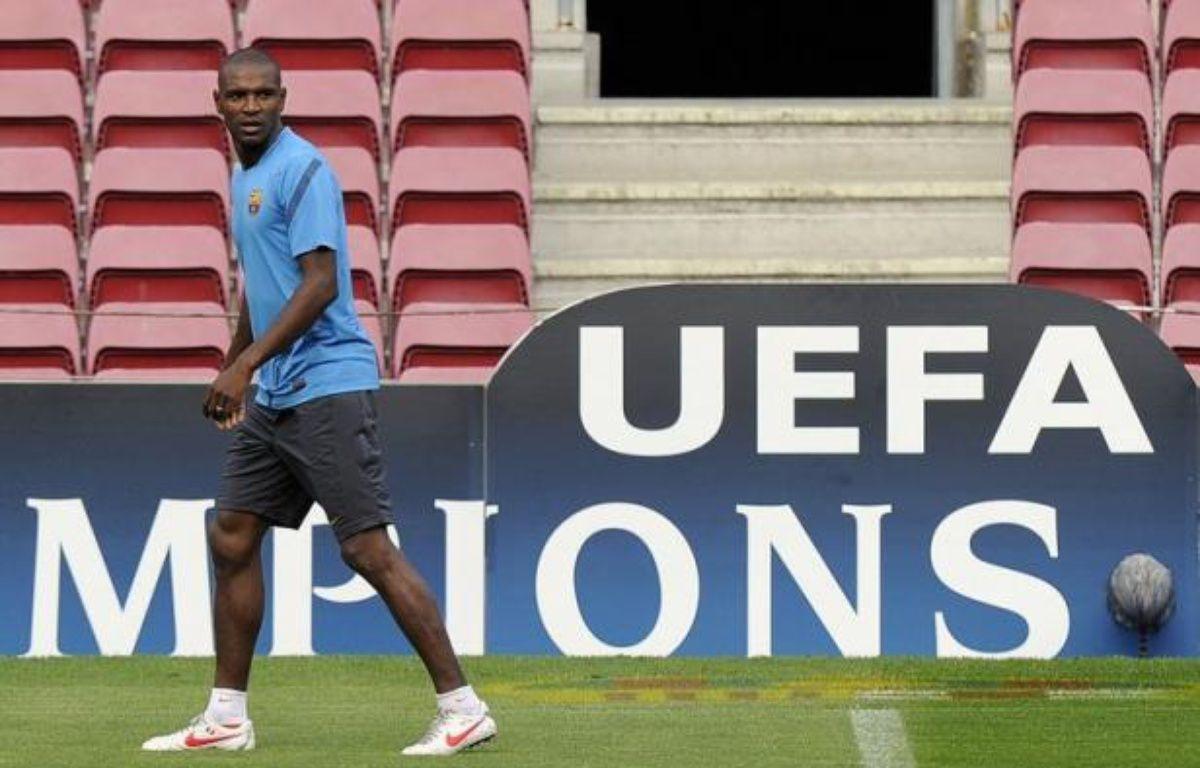 L'international français Eric Abidal, transplanté du foie en avril dernier, a été inscrit dans la liste A des 25 joueurs dont Barcelone veut disposer en Ligue des champions, selon les listes dévoilées mardi sur le site de l'UEFA. – Lluis Gene afp.com