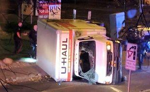 Le camion utilise lors de l'attaque qui a fait cinq blessés à Edmonton (Canada), le 1er octobre 2017.
