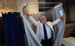 Le Parti socialiste a essuyé un nouvel échec dimanche soir dans l'ancien fief de Jérôme Cahuzac lors du premier tour de la législative partielle visant à le remplacer à l'Assemblée nationale, coiffé au poteau par l'UMP et le FN.
