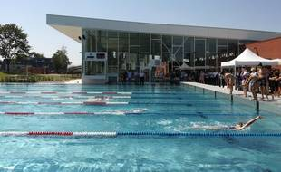 A Strasbourg, seuls de jeunes sportifs et écoliers ont eu l'occasion, cette semaine, de tester la nouvelle piscine de Hautepierre avant son ouverture officielle le 7 juillet.