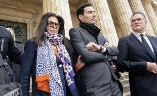Francoise Bettencourt Meyers quitte le palais de justice de Bordeaux, accompagnée de son fils Jean-Victor et du tuteur de Liliane Bettencourt Olivier Pelat, le 26 janvier 2015