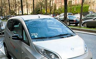La BlueCar de Bolloré a été  mise en service à Paris en 2011.