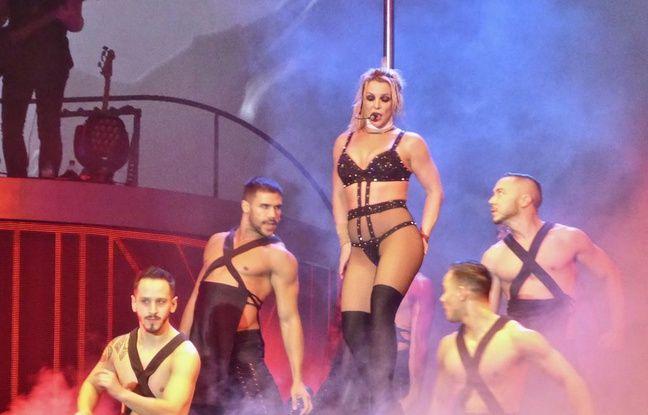 La chanteuse Britney Spears à Blackpool au Royaume-Uni (certifié)