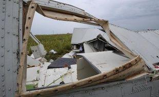 Des débris du Boeing abattu à Shaktarsk le 18 juillet 2014