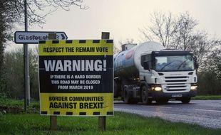 Un panneau anti-Brexit près de la frontière entre l'Irlande et l'Irlande du Nord.