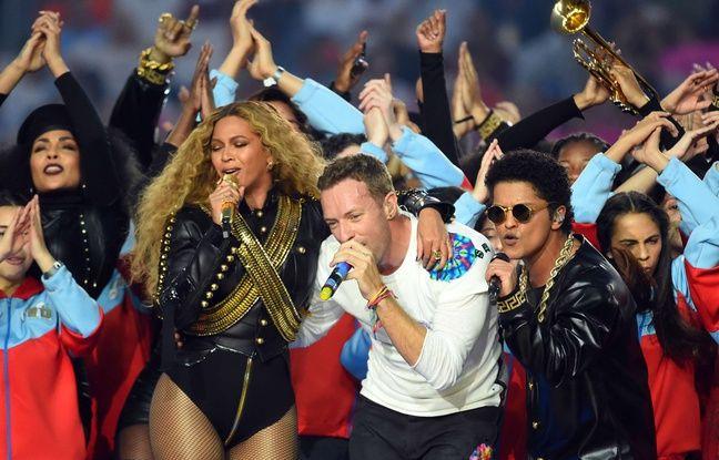 Beyoncé, Chris Martin et Bruno Mars lors de la mi-temps du Super Bowl le 7 février 2016