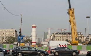 Le chantier du prolongement du RER E de Saint-Lazare vers la Défense et la banlieue ouest fait parler de lui. Ici au niveau du chantier de la future gare Porte-Maillot.
