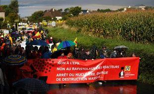Plusieurs milliers de manifestants ont protesté contre l'EPR de Flamanville, le 1er octobre 2016.
