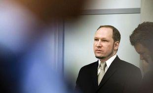 Des jeunes Norvégiens blessés dans la fusillade d'Utoeya ont décrit mardi à la barre la longue tuerie à laquelle s'est livré l'été dernier l'extrémiste de droite Anders Behring Breivik, confiant leur incrédulité initiale avant de réaliser l'ampleur du bain de sang.