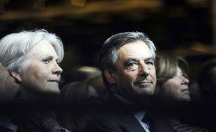 A l'instar de Penelope et François Fillon, les cas de parlementaires qui embauchent des membres de leur famille proche comme assistant parlementaire sont nombreux.