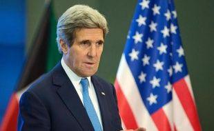 """Les excuses du ministre israélien de la Défense Moshé Yaalon, qui avait accusé le secrétaire d'Etat américain John Kerry d'""""obsession incompréhensible"""", sont loin d'avoir dissipé la crise diplomatique, révélatrice du fossé entre les deux alliés, selon les commentateurs israéliens."""
