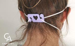 L'entreprise girondine Chrisart propose des attache-masques personnalisables.