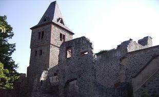 Le château enténébré convoque les esprits de la littérature gothique.