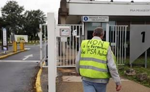 Partis en vacances fin juillet sous le choc de l'annonce des 8.000 suppressions de postes et de la fin d'Aulnay, le gros des salariés de PSA Peugeot Citroën retrouvent la semaine prochaine les usines, sans ordre de bataille précis et dans l'attente de différentes expertises.