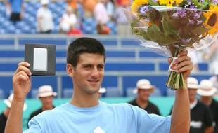 Novak Djokovic, en juillet 2006 pour son premier titre sur le circuit.