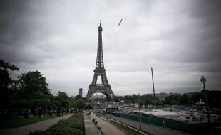 La tour Eiffel à Paris. (Illustration)