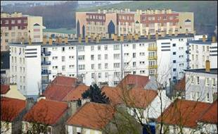 La cour d'assises du Pas-de-Calais à Saint-Omer juge à partir de mercredi une nouvelle affaire de pédophilie présumée à Outreau pour laquelle comparaissent une sexagénaire et trois couples accusés de viols sur dix de leurs enfants entre 1994 et 2001.