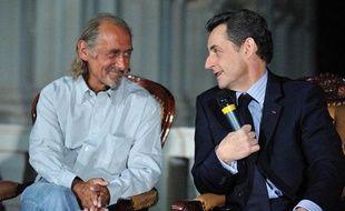 Pierre Camatte et Nicolas Sarkozy, à Bamako, lors d'une conférence de presse, jeudi 25 février.