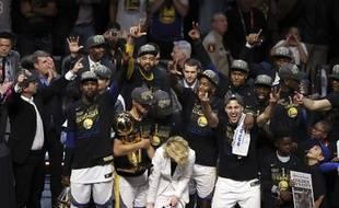Les Warriors réalisent un back-to-back en remportant leur deuxième titre NBA de rang.