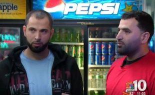 La compagnie aérienne a demandé à deux passagers qui parlaient arabe de ne pas embarquer.