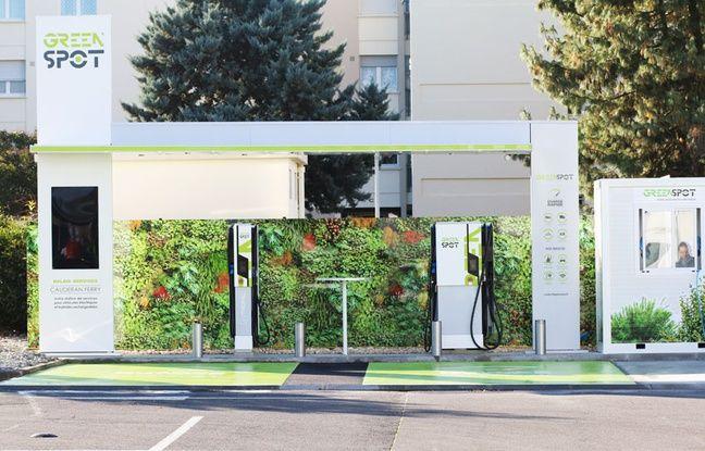 Greenspot est la première station-service pour véhicule électrique en France