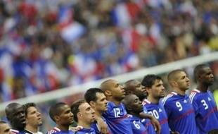 """Le premier match de la France à l'Euro-2008 contre la Roumanie, lundi à Zurich, se résume à une question de statut entre des Bleus qui doivent assumer leur rôle de favoris, même sans Vieira, et des Roumains vexés par leur étiquette d'outsider de ce """"groupe de la mort"""" (Gr.C)."""