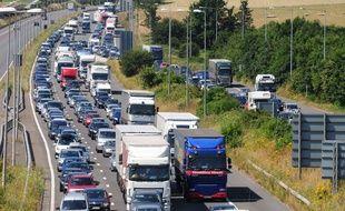 Embouteillages pour accéder au port de Douvres (Royaume-Uni) le 2. juillet 2016.