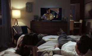 Le lit est le lieu privilégié par les jeunes pour mater une série.